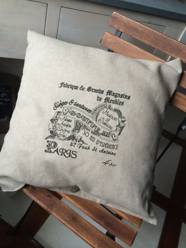 coussin,coussin lin,coussin retro,coussin enseigne magasin,coussin vintage,coussin brodé